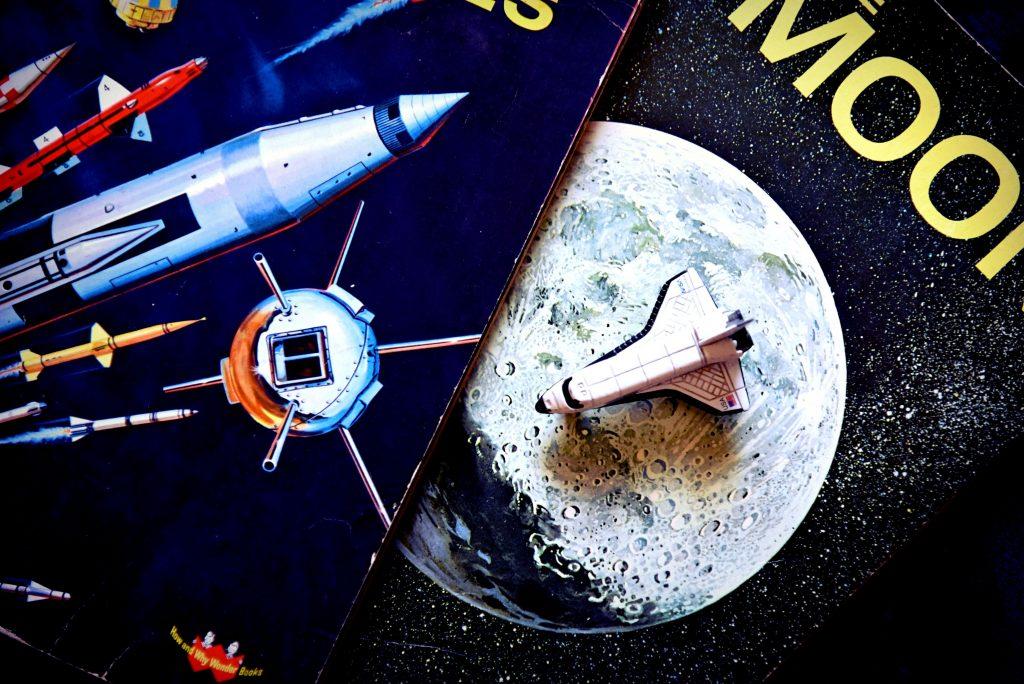 天体望遠鏡も知識もないけど「火星大接近」で盛り上がりたい人のための 3案