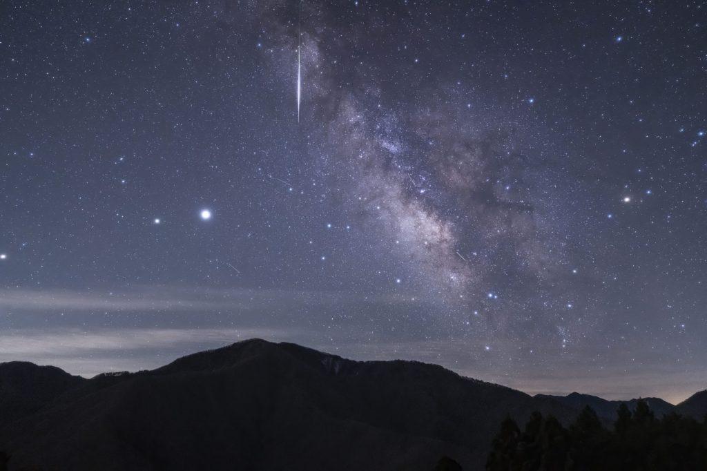 「宇宙によりみち」~ 星空写真家が紹介する、7月に見たい星空3選~